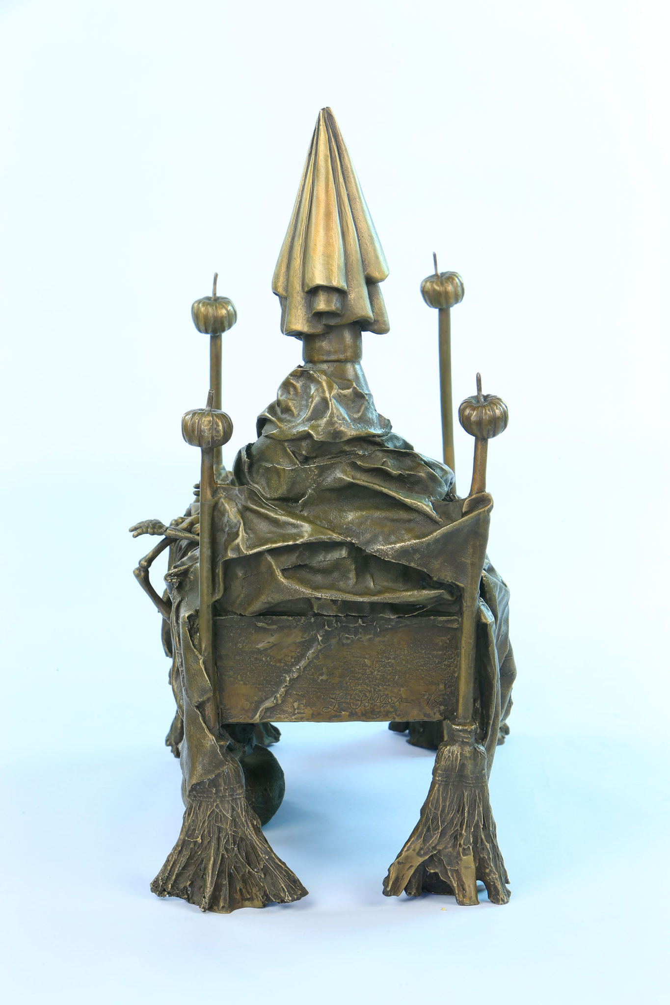 Witch-Bed-back